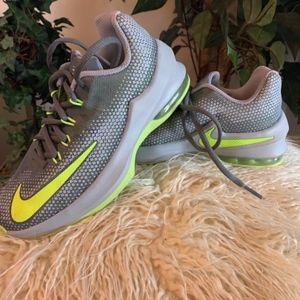 Nike Kids Air Max Infuriate Shoe